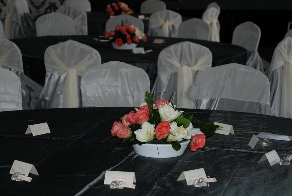 Aranjament Florar sala evenimente - Salt and Pepper Catering Bucuresti