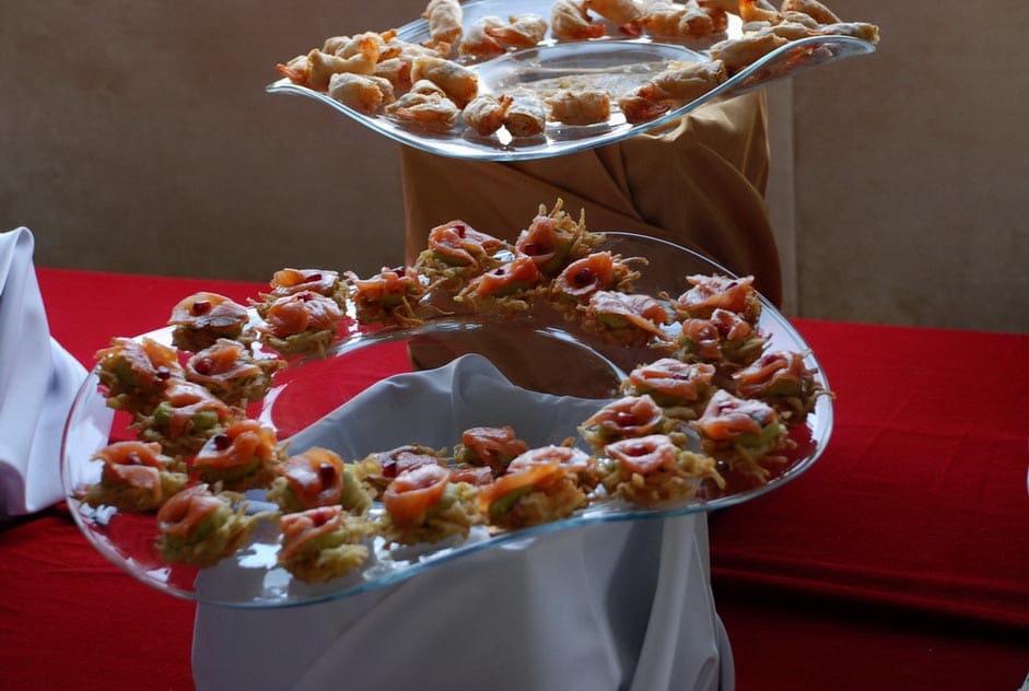 Aranjament masa de evenimente- Salt and Pepper Catering Bucuresti