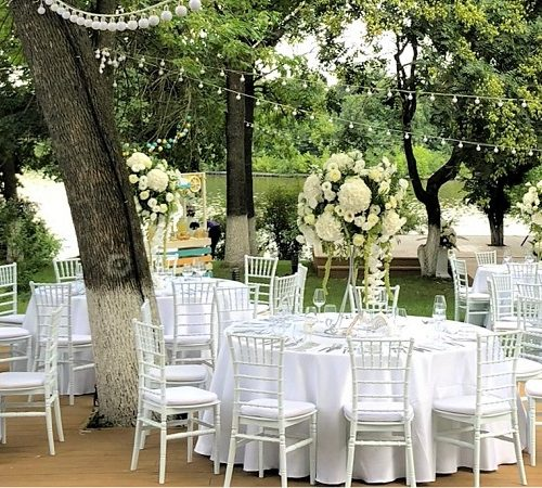 inchiriere-scaune-chiavari-albe-nunta